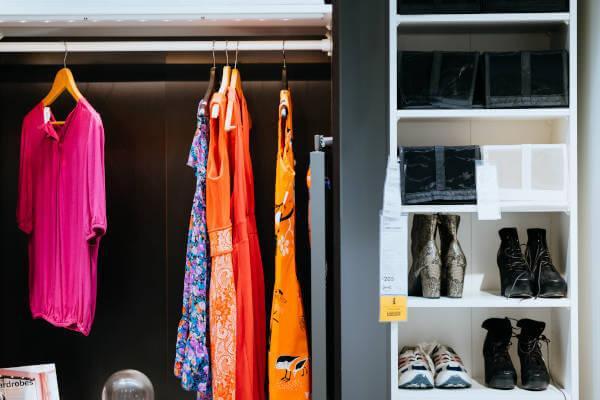Kako da napravite dodatni prostor za garderobu u stanu?
